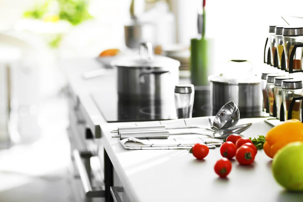 5 neophodnih kuhinjskih pribora u 2021. godini – Opremite svoju kuhinju savremenim dodacima!